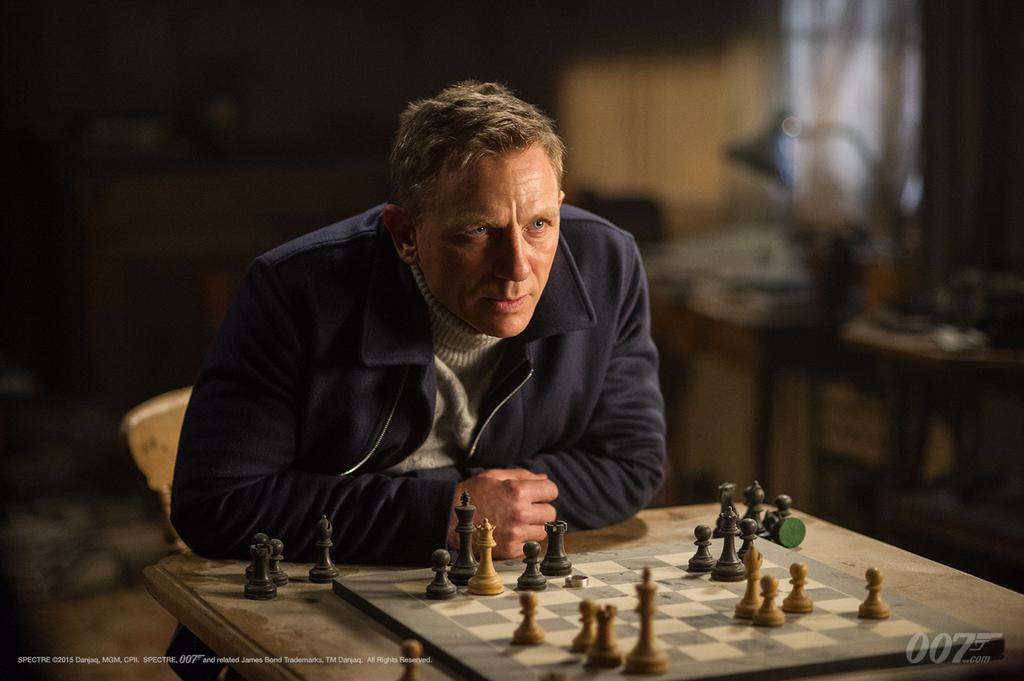 SPECTRE-James-Bond-playing-chess