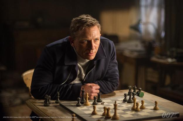 SPECTRE-James-Bond-playing-chess